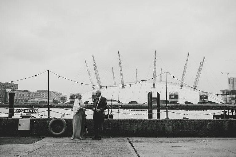 londonweddingphotographer-londonweddings-trinitybuoywharf-creativeweddingphotography_0018